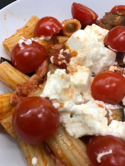 rigatoni pasta feta tomatoes